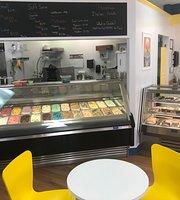 Lakeside Ice Cream & Coffee Shop