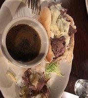 Lanyard Bar & Grill