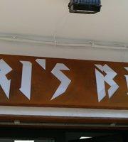 Uri's Bar