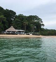 Paula Nani beach