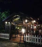 Moc Restaurant & Cafe