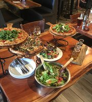 Creekside Pizza & Taproom