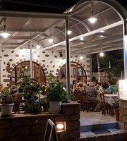 Loukas restaurant