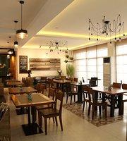 Rali's Restaurant