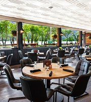 The Lakeside Chophouse at the Bayshore Inn