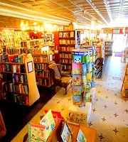 Inquiring Minds Bookstore & Cafe