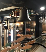 Le Black Bell Bar