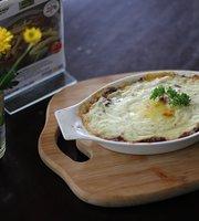 Basilia Cafe & Dine