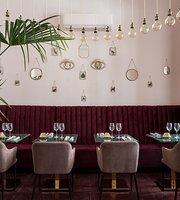 UOLLI Restaurant