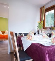 Gasthof zur Post, restaurant - rooms - appartements