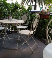 Caffe & Teeria Mannoni