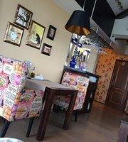 Karlson Kafe Na Vysote