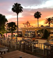 Elia Restaurant & Lounge