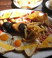 Riveresque Cafe