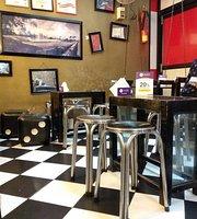 Bon Appetit - The Cafe