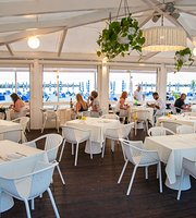 Seasons Beach Restaurant & Lounge Bar