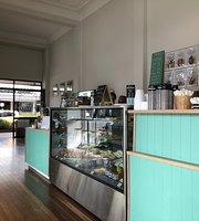 Mingle Cafe