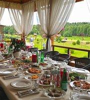 Zolotyye Karasi Restaurant
