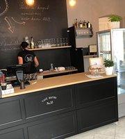 Cafe & Bistro No.33