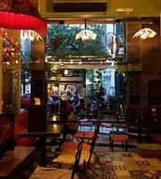 Cafe-Bar 67