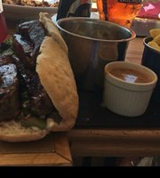 Parklands Bar And Eatery