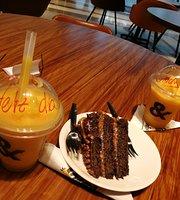 & Café
