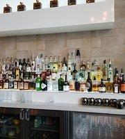 Bottle & Bond Kitchen & Bar