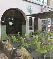 Peanut's Café
