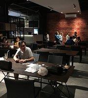 Blackhouse CafeBlackhouse Cafe & Resto