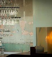 Pullman Wine Bar
