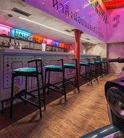Bar Neon Monkey