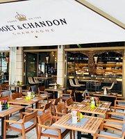 LEGER AM DOM Restaurant & Bar