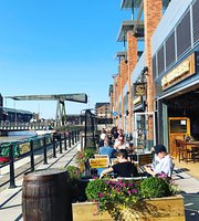 Brewhouse & Kitchen - Gloucester Quays