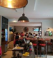 Cafe des Lilas