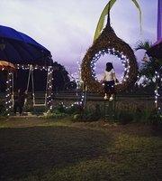 D, Ala Desa Waroeng