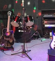 Stage music lounge