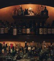 Bar Four Seasons