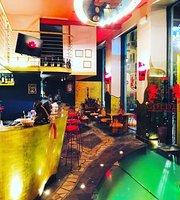 Golden Lounge Bar