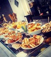 Kenisya Lounge Bar