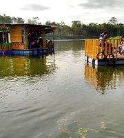 Cafe Apung Rowo Klampok