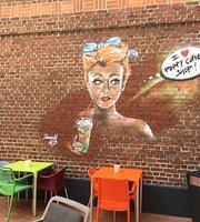 Poppy Coffee Shop