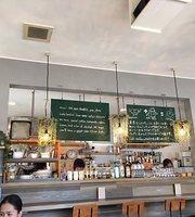 Cafe Confine