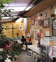 Santa Luna Restaurant