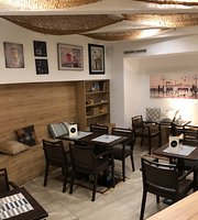 Pinium Cafe