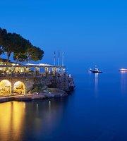 La Vigie Lounge & Restaurant