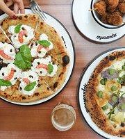 Supersantos Pizza