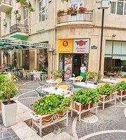 IL Patio Planet Sushi Azerbaijan Fountaen Square