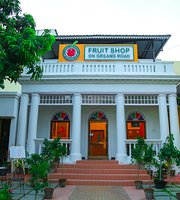 Fruit Shop On Greams Road, Puducherry