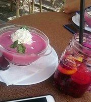 Budapest lounge Café Wein Bar