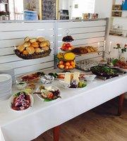 Café Mommark Marina